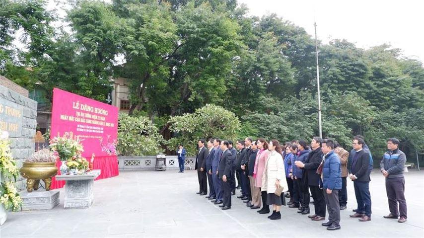 Quận Đống Đa dâng hương tri ân tưởng niệm 221 năm ngày mất của Bắc Cung Hoàng Hậu Lê Ngọc Hân