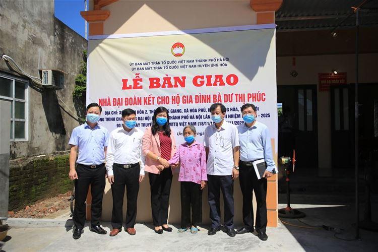 Khánh thành và trao nhà Đại đoàn kết cho hộ nghèo huyện Ứng Hòa