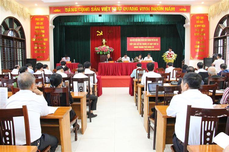Tổ đại biểu HĐND TP Hà Nội tiếp xúc cử tri xã Hồng Phong, huyện Chương Mỹ trước kỳ họp thứ 18 HĐND TP Hà Nội khóa XV