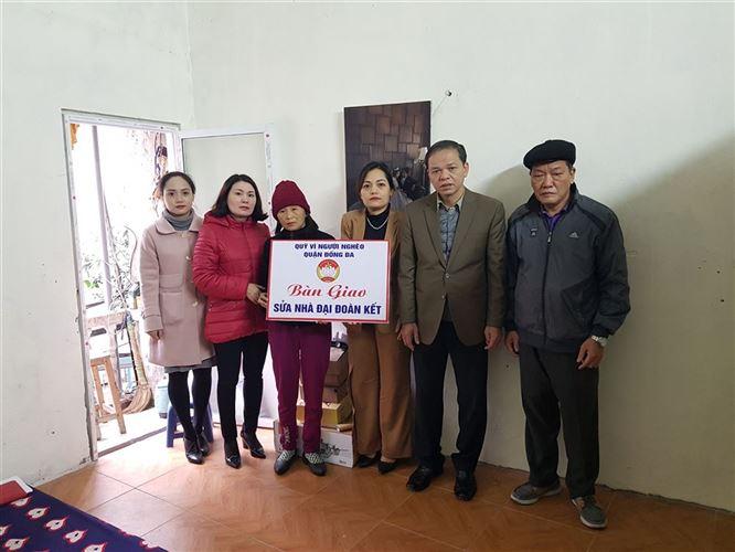 Ủy ban MTTQ Việt Nam quận Đống Đa bàn giao nhà sửa Đại đoàn kết