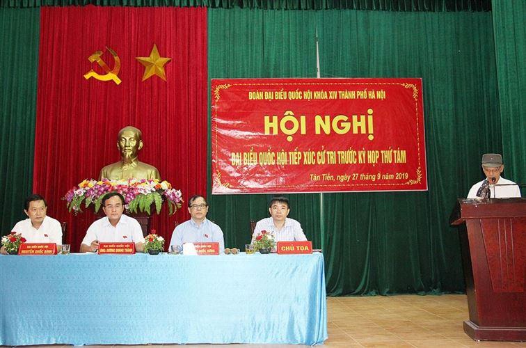 Đoàn đại biểu Quốc hội TP Hà Nội tiếp xúc cử tri xã Tân Tiến, huyện Chương Mỹ trước kỳ họp thứ 8