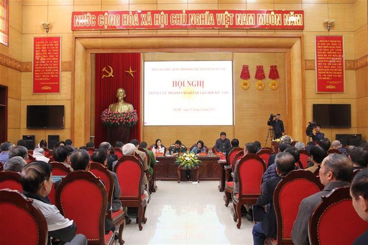 Đoàn đại biểu Quốc hội Hà Nội báo cáo kết quả Kỳ họp thứ Tám, Quốc hội khóa 14 với cử tri quận Tây Hồ, Hoàn Kiếm, Ba Đình