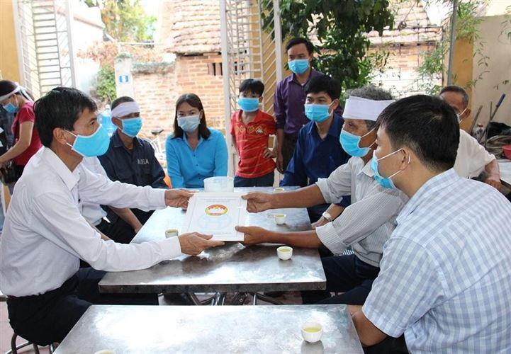 Ủy ban MTTQ Việt Nam TP thăm, hỗ trợ 4 nạn nhân tử vong do tai nạn lao động