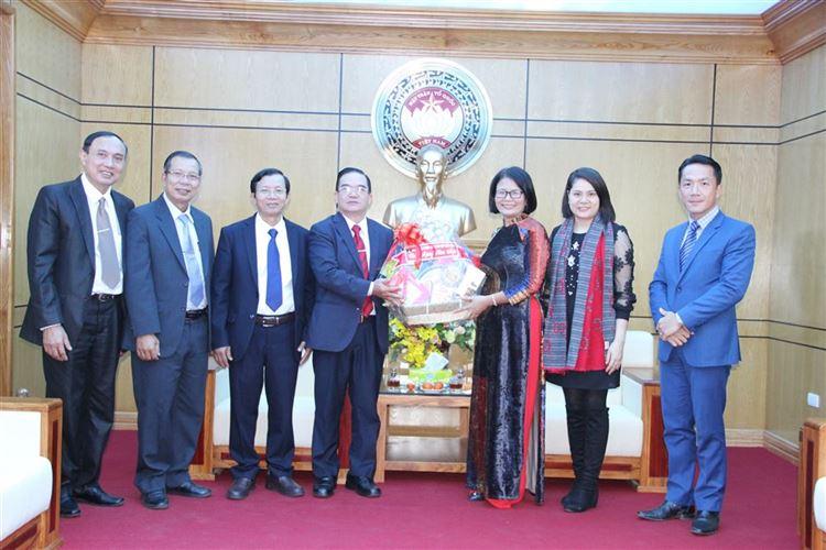 Đoàn Hội Thánh Phúc âm toàn vẹn chúc Tết Ủy ban MTTQ Việt Nam thành phố Hà Nội.
