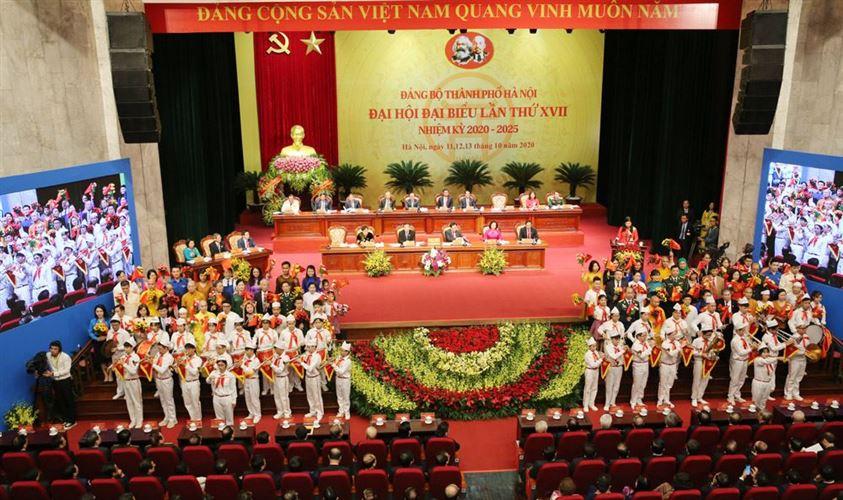 Các tầng lớp nhân dân Thủ đô chào mừng đại hội