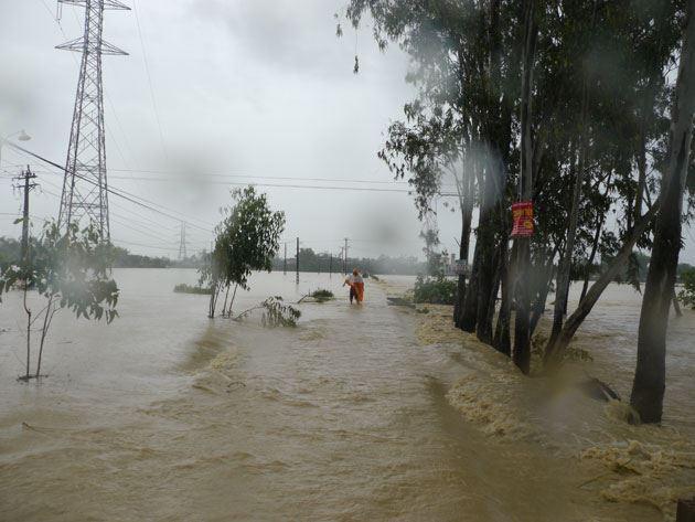 Hà Nội hỗ trợ 80 triệu đồng cho các gia đình bị thiệt hại do mưa lũ gây ra tại miền Trung