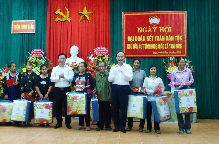 Phó Chủ tịch Thường trực HĐND thành phố Nguyễn Ngọc Tuấn dự Ngày hội Đại đoàn kết tại thôn Hưng Giáo