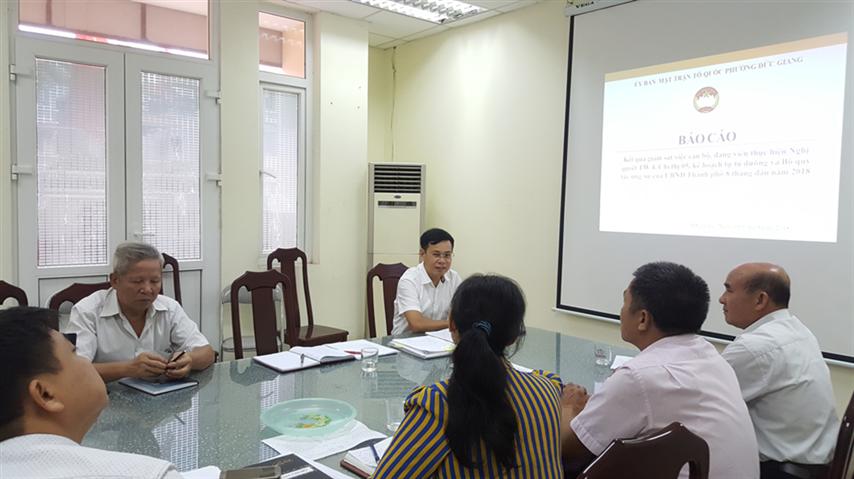 Khảo sát MTTQ phường về giám sát việc thực hiện  Nghị quyết Trung ương 4, Chỉ thị 05 và 2 bộ quy tắc ứng xử