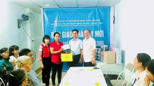 Quận Long Biên bàn giao nhà xây mới cho hộ nghèo phường Thượng Thanh
