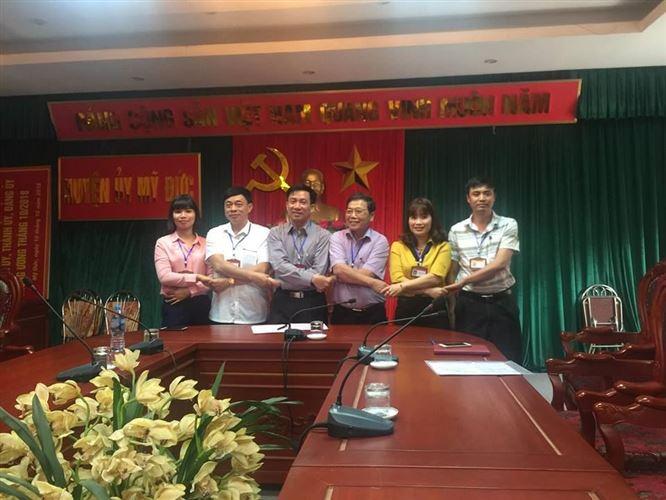 """Uỷ ban MTTQ Việt Nam huyện Mỹ Đức ký kết giao ước thi đua """"Đoàn kết sáng tạo"""" với các tổ chức thành viên năm 2018"""