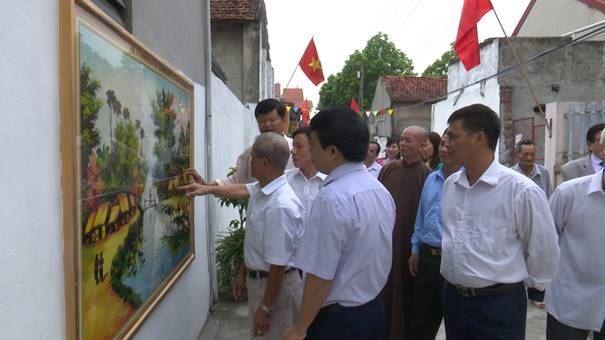 Ủy ban MTTQ Việt Nam xã Phương Đình, huyện Đan Phượng sơ kết mô hình điểm xóm Sáng - xanh - sạch - đẹp và an toàn