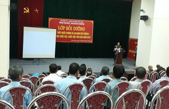 Huyện Mê Linh tổ chức lớp bồi dưỡng kiến thức quốc phòng và an ninh đối tượng 4 cho các chức sắc, chức việc tôn giáo năm 2018