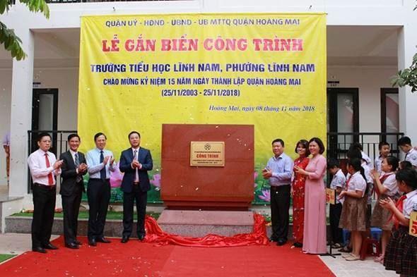 Quận Hoàng Mai tổ chức lễ khánh thành và gắn biển hai công trình chào mừng kỷ niệm 15 năm Ngày thành lập quận (25/11/2003 - 25/11/2018)