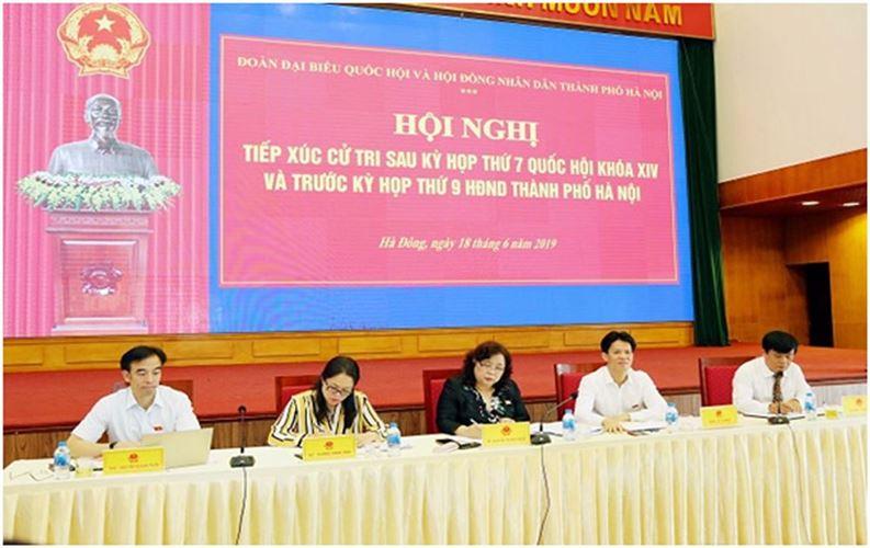 Đại biểu Quốc hội TP Hà Nội tiếp xúc cử tri quận Hà Đông sau kỳ họp thứ 7 Quốc hội khóa XIV