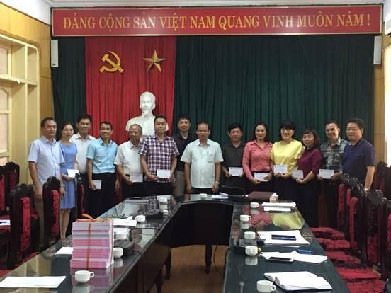 Ủy ban MTTQ Việt Nam quận Thanh Xuân khen thưởng các tập thể có thành tích trong đợt vận động ủng hộ Quỹ Vì biển, đảo Việt Nam năm 2019