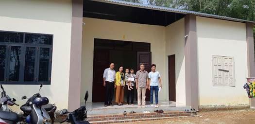 Ủy ban MTTQ Việt Nam thị xã Sơn Tây hoàn thành đợt 1 việc xây, sửa nhà cho hộ nghèo