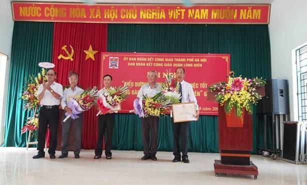 Hội nghị biểu dương phong trào thi đua yêu nước đồng bào công giáo quận Long Biên giai đoạn 2015 – 2019