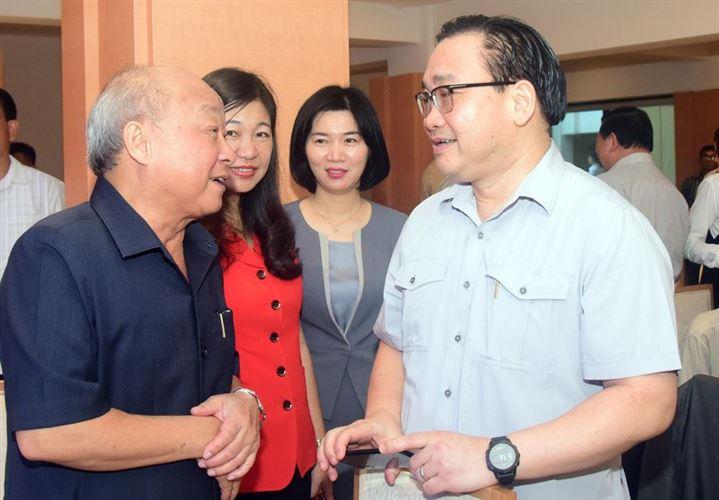 Lãnh đạo TP Hà Nội gặp mặt đại biểu văn nghệ sĩ, trí thức, nhà khoa học tiêu biểu