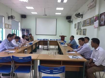 Ủy ban MTTQ Việt Nam thị xã Sơn Tây giám sát tại Công ty xử lý rác Sơn Tây.