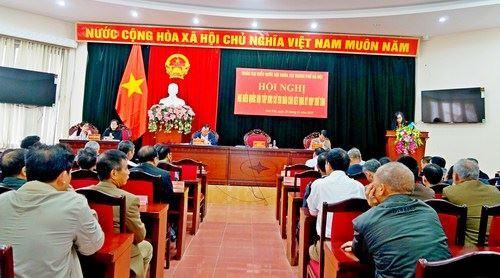 Đoàn đại biểu Quốc hội TP Hà Nội tiếp xúc với cử tri thị xã Sơn Tây sau kỳ họp thứ 8