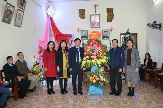 Huyện Quốc Oai tổ chức thăm tặng quà nhân dịp Lễ Noel 2019