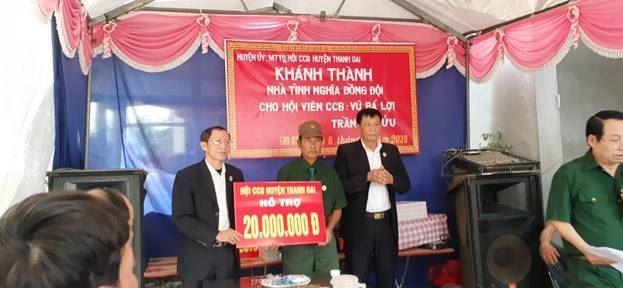Ủy ban MTTQ Việt Nam huyện Thanh Oai trao kinh phí hỗ trợ xây dựng sửa chữa nhà ở cho hộ nghèo
