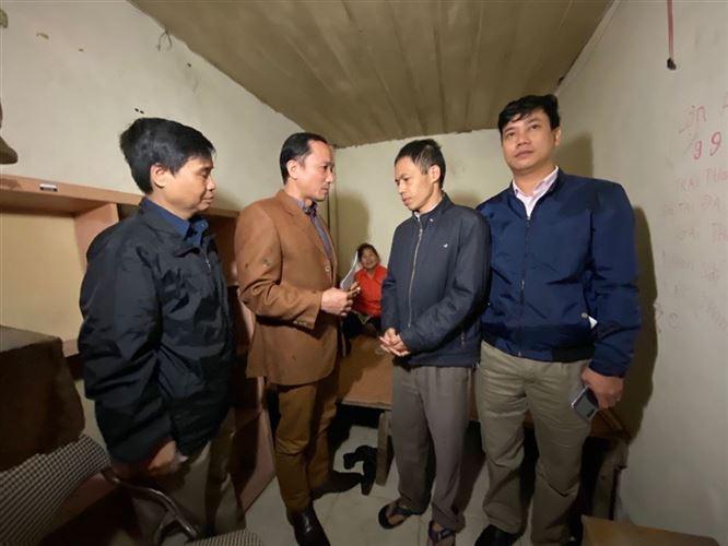 Quận Hoàn Kiếm trao trợ cấp đối với các gia đình có hoàn cảnh khó khăn bị hỏa hoạn tại phường Phúc Tân