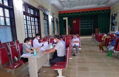 Huyện Mê Linh kịp thời chi trả hỗ trợ cho các đối tượng bị ảnh hưởng do dịch Covid-19.