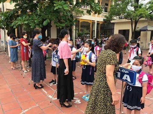 Thị xã Sơn Tây giám sát công tác phòng, chống dịch bệnh Covid - 19 tại các trường học trên địa bàn.