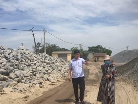 Thị xã Sơn Tây giám sát hoạt động bến bãi, kinh doanh, vận chuyển vật liệu trên địa bàn thị xã.