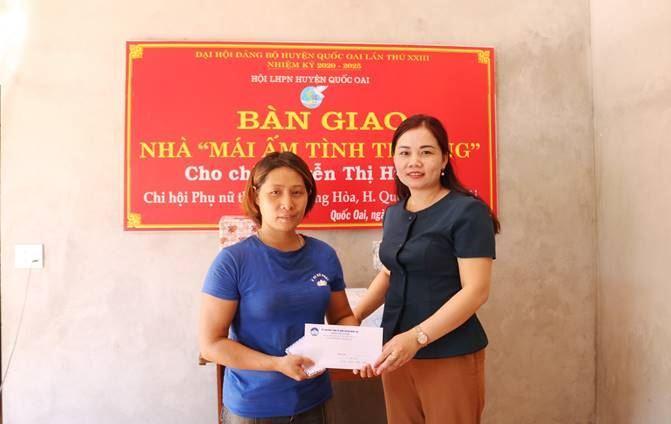 """Huyện Quốc Oai hỗ trợ xây 02 nhà """"Mái ấm tình thương"""" cho hội viên phụ nữ"""