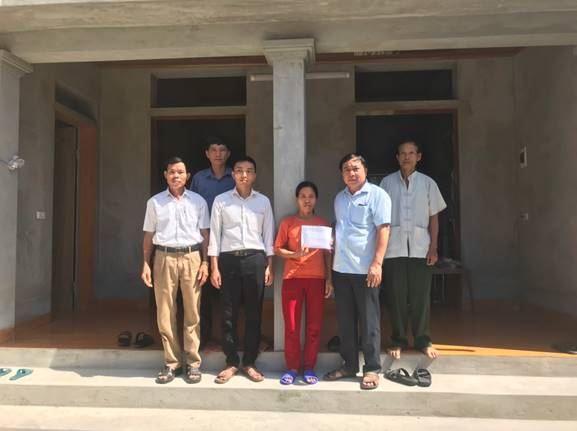 Ủy ban MTTQ Việt Nam huyện Thanh Oai hỗ trợ hộ nghèo xây dựng nhà ở năm 2020