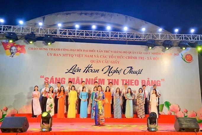 Liên hoan văn nghệ chào mừng thành công Đại hội đại biểu lần thứ VI Đảng bộ Quận Cầu Giấy, nhiệm kỳ 2020-2025