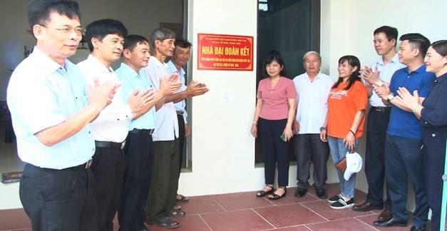 Ủy ban MTTQ Việt Nam huyện Phúc Thọ khánh thành nhà Đại đoàn kết chào mừng Đại hội Đảng bộ huyện