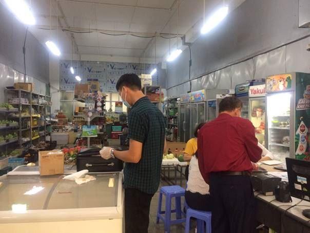 Ủy ban MTTQ Việt Nam quận Thanh Xuân giám sát việc chấp hành pháp luật về an toàn thực phẩm trên địa bàn quận năm 2020.