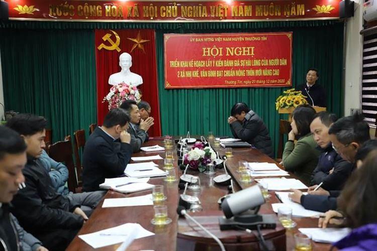 Ủy ban MTTQ Việt Nam huyện Thường Tín hướng dẫn việc lấy ý kiến đánh giá sự hài lòng của người dân về kết quả xây dựng nông thôn mới nâng cao tại 2 xã Nhị Khê và Văn Bình