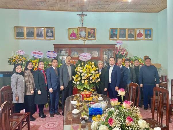 Huyện Sóc Sơn thăm, tặng quà nhân dịp Lễ giáng sinh năm 2020