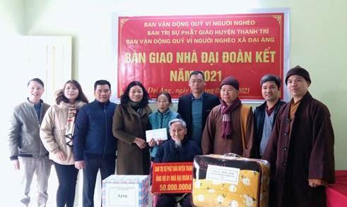 Ban trị sự Phật giáo huyện Thanh Trì phối hợp trao nhà đại đoàn kết