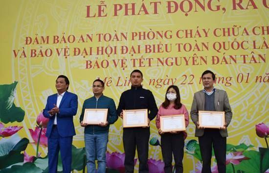 Huyện Mê Linh tổ chức Lễ phát động tuyên truyền công tác đảm bảo an toàn phòng cháy chữa cháy mùa hanh khô và bảo vệ Đại hội Đảng toàn quốc lần thứ XIII, bảo vệ Tết Nguyên đán Tân Sửu năm 2021