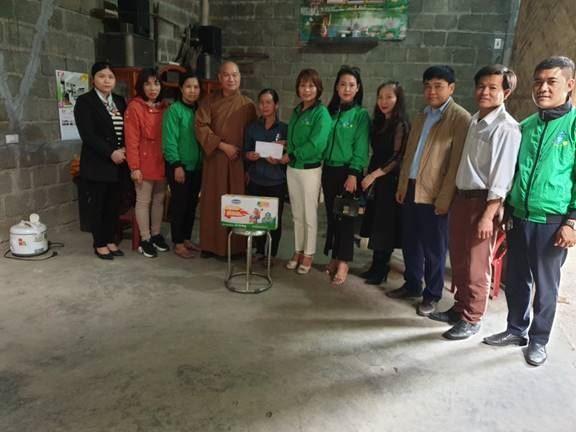 Uỷ ban MTTQ Việt Nam huyện Mỹ Đức thăm hỏi, hỗ trợ đột xuất cho gia đình có con mắc bệnh hiểm nghèo tại xã An Phú