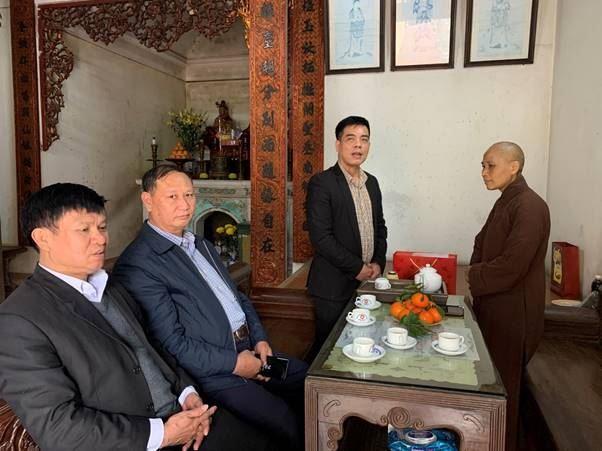 Lãnh đạo MTTQ Việt Nam huyện Thường Tín thăm, tặng quà chức sắc tôn giáo, cán bộ lãnh đạo MTTQ nghỉ hưu