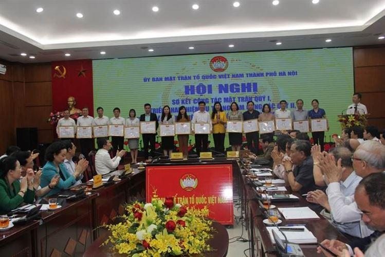 Ủy ban MTTQ Việt Nam TP Hà Nội tổ chức Hội nghị Ủy ban MTTQ Việt Nam thành phố Hà Nội lần thứ VI và biểu dương các tập thể, cá nhân có thành tích xuất sắc trong công tác Mặt trận và trong thực hiện Chỉ thị 05 của Bộ Chính trị