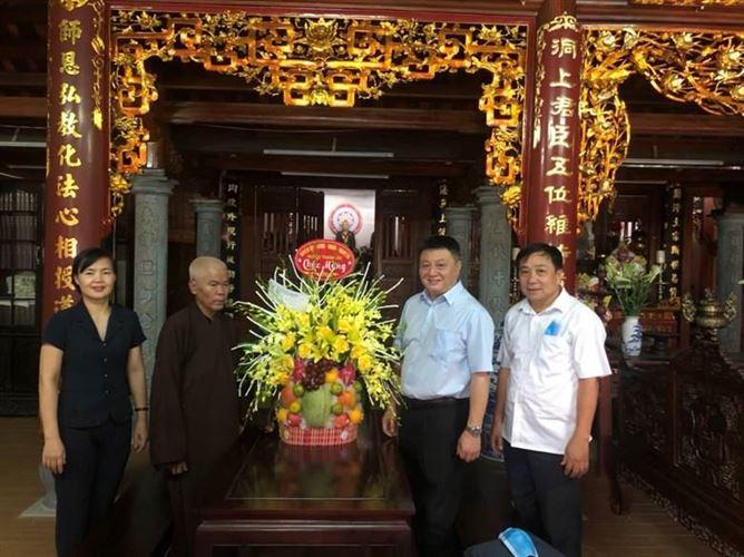 Huyện Thanh Oai thăm các chức sắc, chức phẩm phật giáo tiêu biểu nhân dịp lễ Phật đản năm 2021