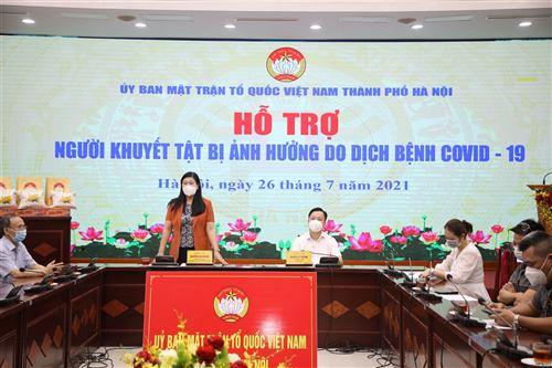 Chủ tịch Ủy ban MTTQ Việt Nam TP Nguyễn Lan Hương phát biểu