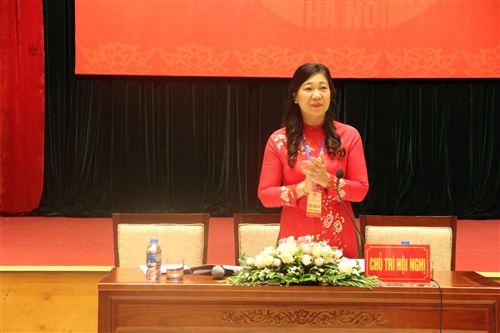 Đồng chí Nguyễn Lan Hương - UVTV Thành ủy, Chủ tịch Ủy ban MTTQ Việt Nam TP chủ trì hội nghị lần thứ nhất
