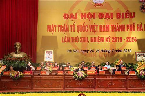 Đoàn Chủ tịch điều hành Đại hội đại biểu MTTQ Việt Nam thành phố Hà Nội.