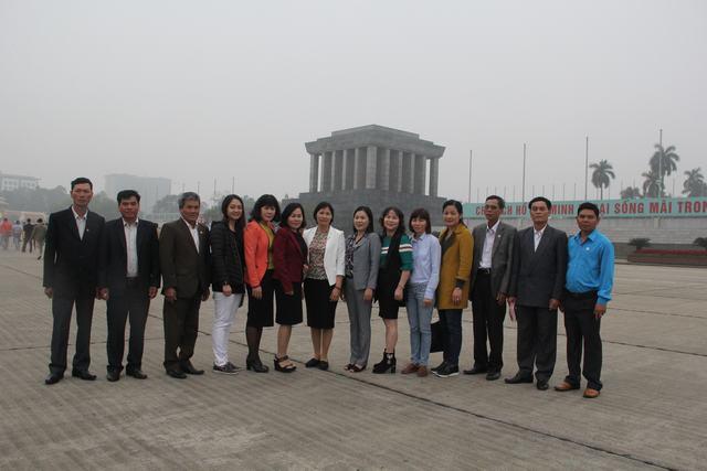Đoàn Ủy ban MTTQ VN huyện Lâm Hà viếng Lăng Chủ tịch Hồ Chí Minh